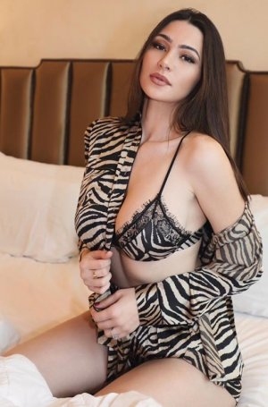 Josine incall escort and sex guide