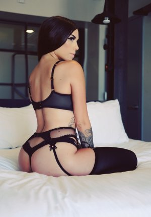 Angelique escorts service in Kingsville TX & free sex ads